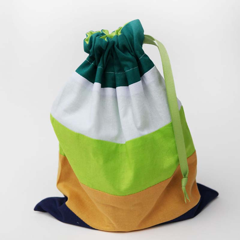 Striped gift bags for kids DIY 2