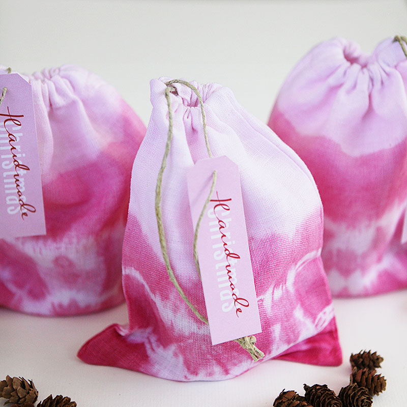 tie dyed gift bags 1